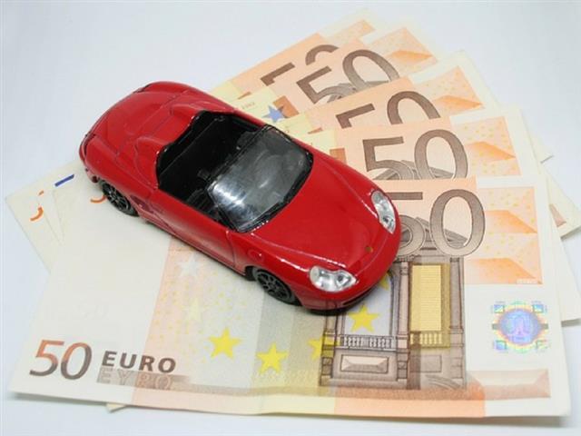 COME CALCOLARE IL BOLLO AUTO: I DATI DA CUI PARTIRE