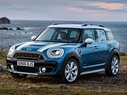MINI COUNTRYMAN 2017: LA NUOVA IBRIDA