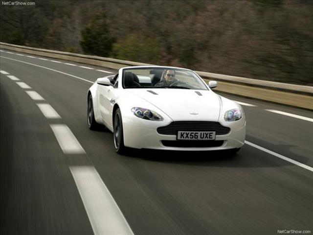 Aston Martin V8 Vantage: musica da 8 cilindri