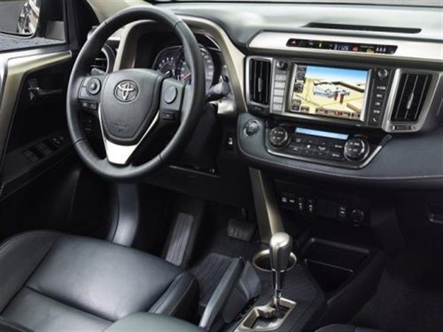 Toyota Rav4 cresce di dimensioni e carattere