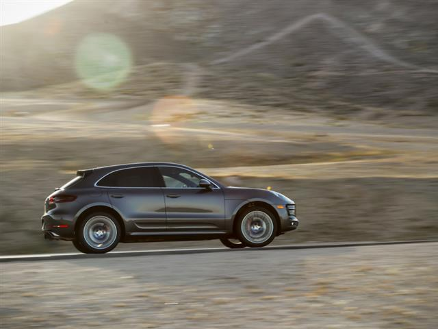 PORSCHE MACAN TURBO: ARRIVA LA EXCLUSIVE EDITION