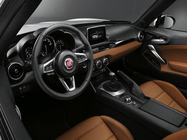 FIAT 124 SPIDER: IN MOSTRA AL SALONE DI LOS ANGELES