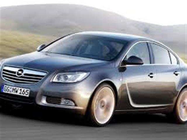 Opel Insignia: un bel salottino Opel da 180 CV