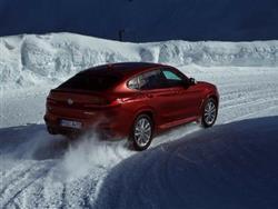 NUOVA BMW X4: PIU' GRANDE E PIU' POTENTE