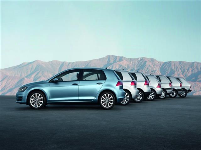 Volkswagen Golf VII cerca di superarsi