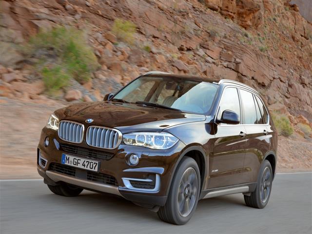 BMW X5: l'auto che ha fatto la storia dei SUV