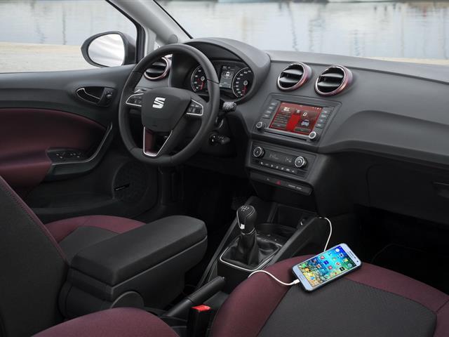 Seat Ibiza 2015 rinnova gli interni