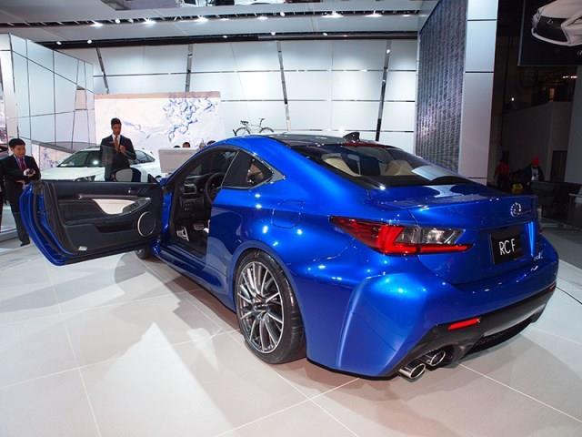 BMW M4 vs Lexus RC-F: il confronto