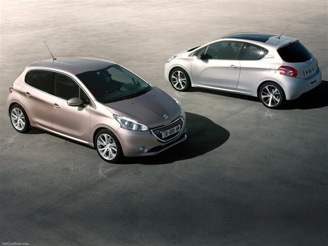La classica Peugeot 208 si rinnova completamente