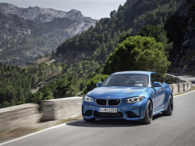 BMW M2 Coupé: tra strada e pista